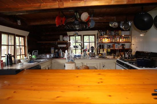 Iniakuk Lake Wilderness Lodge: Patricia's fabulous kitchen