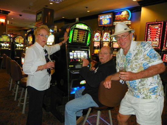 IP Casino Resort Spa - Biloxi: GLORIA TOM & BILL having fun