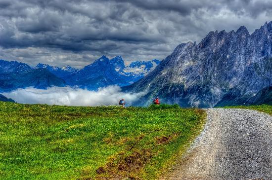 กรินเดลวัลด์, สวิตเซอร์แลนด์: First  |   Grindelwald, Switzerland