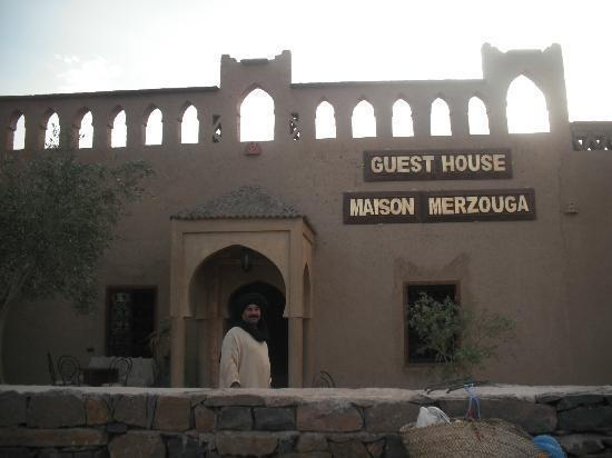 Guest House Merzouga: Lahcen nous attend