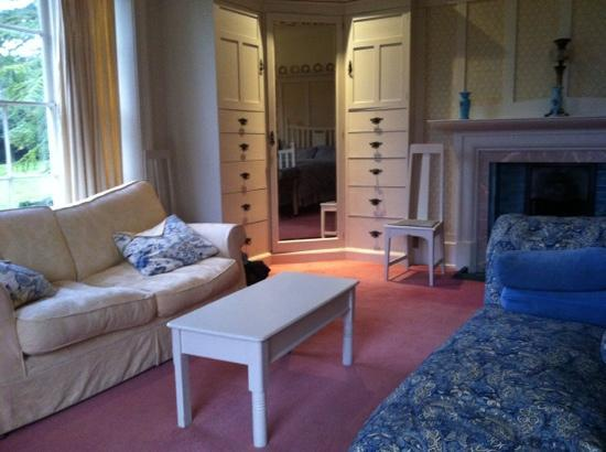 Stokyn Hall Bed & Breakfast: the other half of the room