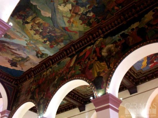 Pinturas sobre el techo I Panteón Nacional, Caracas 1010, Venezuela