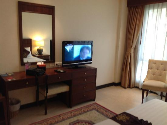 De Arni Bangkok: Flat LC screen TV with international channels