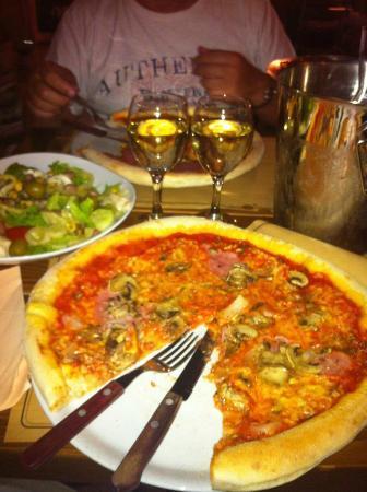 Pizzeria Domenica: Pizza