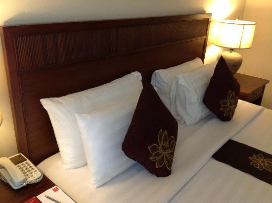De Arni Bangkok: A personal request for extra pillows granted