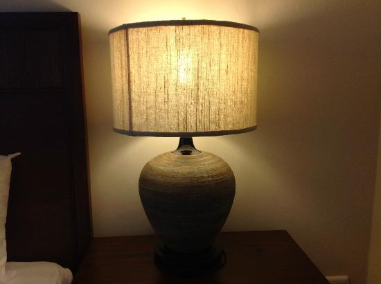 De Arni Bangkok: Bedside lamp