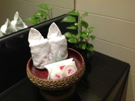 De Arni Bangkok: Complimentary toiletries replenished daily