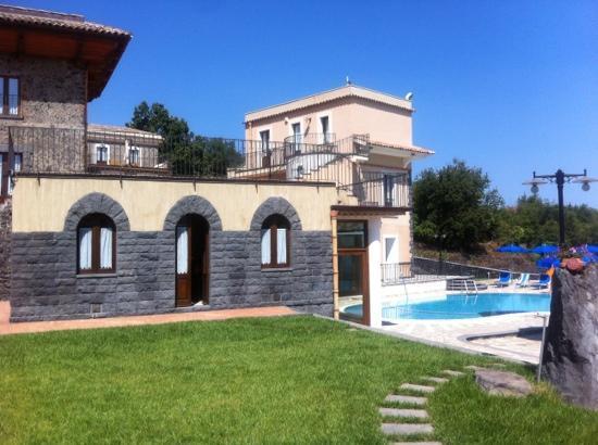Antico Borgo Petralia: overview