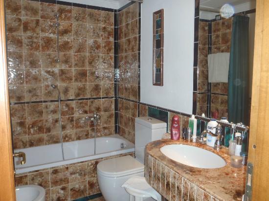 Hotel Berchielli: Bathroom