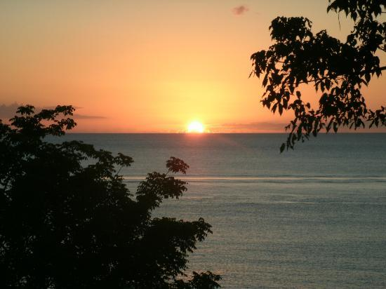 Ti Kaye Resort & Spa: Sunset view from our cottage