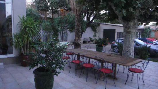 Villa Valflor: outside breakfast