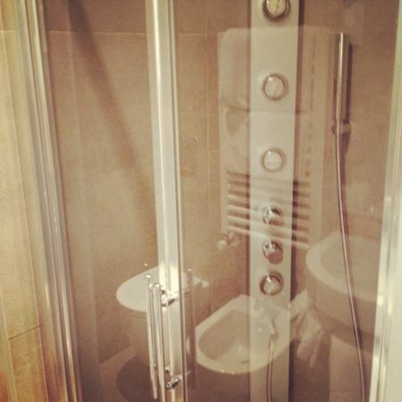Hotel Corso: fantastica doccia idromassaggio camera comfort