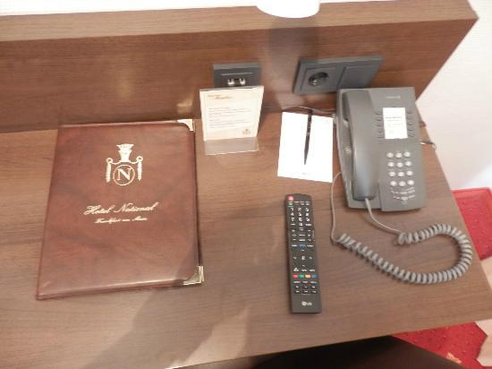 National Hotel - Frankfurt: Vue bureau