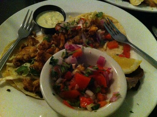 Castaways Seafood Grille: Fish Tacos...lacked needed tang.