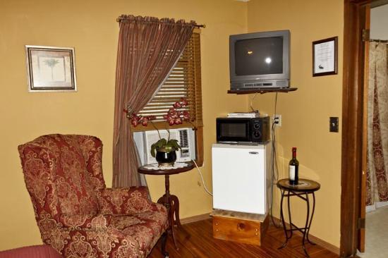Millstream Resort Motel: Motel frig & microwave
