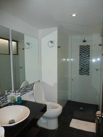Exe Santafe Boutique Hotel: baño confortable