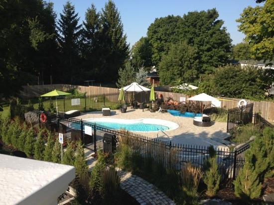 The Manse Boutique Inn & Spa: The grounds of The Manse Aug 2012