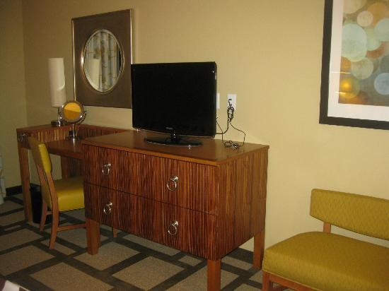 Embassy Suites by Hilton Houston Downtown: Bedroom
