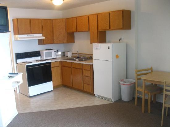 Marina View Condos: KITCHEN- Loaded with Supplies!