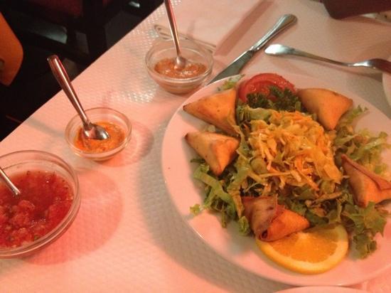 La Charette Créole: samoussas de poulet! un régal