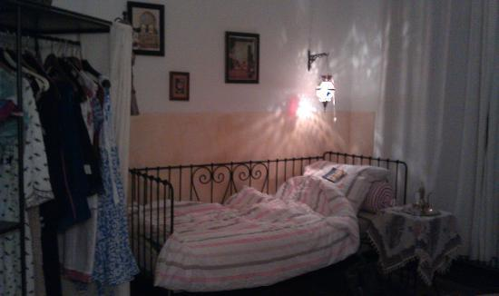 Berliner Bed & Breakfast: home for a week, double room with day bed
