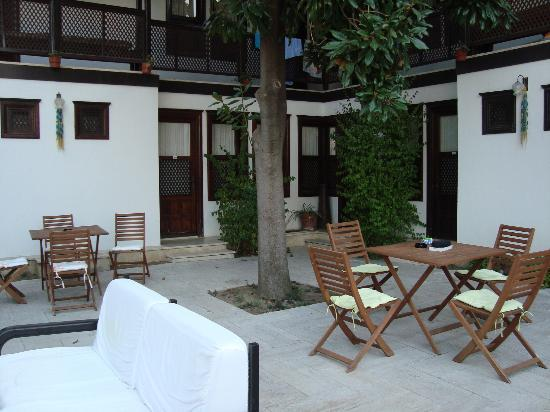 Villa Konak Hotel Kusadasi: una de las terrazas