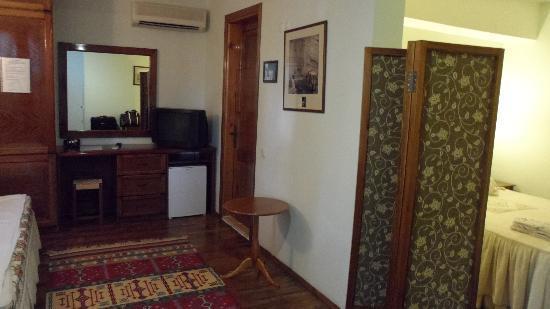 Villa Konak Hotel: parte del saloncito