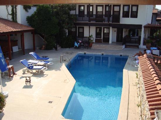Villa Konak Hotel Kusadasi: la piscina