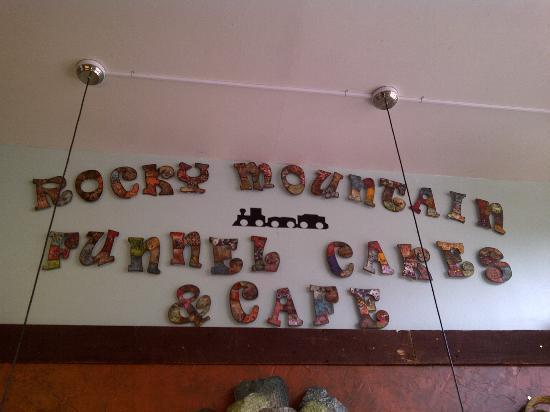 Rocky Mountain Funnel Cakes : un particolare del locale