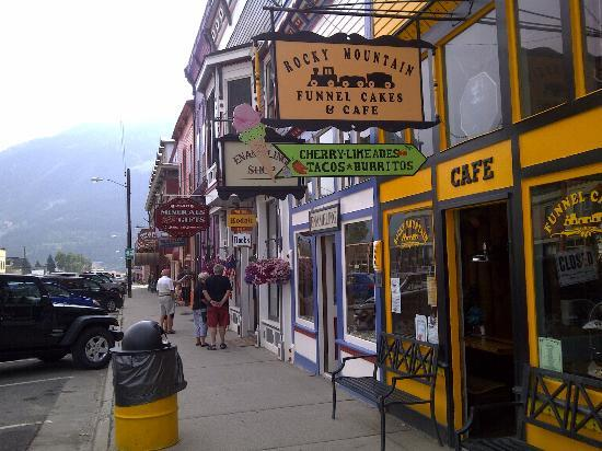 Rocky Mountain Funnel Cakes : l'esterno, nella via principale di Silverton