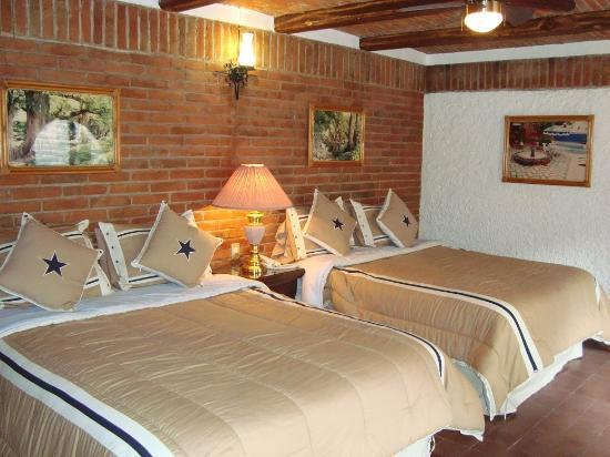 Hotel Suites Poza Real : Recámara de Master Suite