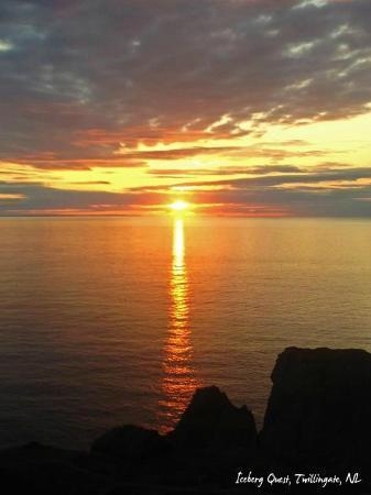 Hillside B&B : Twillingate sunset - a photographers haven!