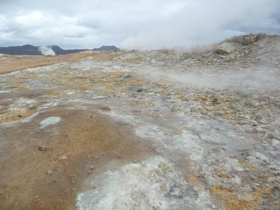 Námafjall: steam and mud