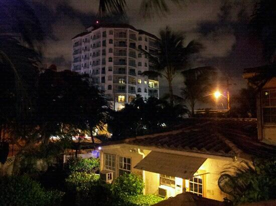 La Casa Del Mar: nite shot from 2nd floor