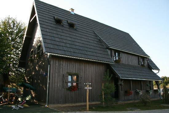 Ethno Houses Plitvica Selo