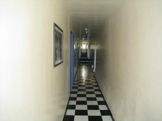 West End Hotel : Hallway