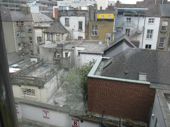 """كاسيديز هوتل: The """"view"""" from our room """