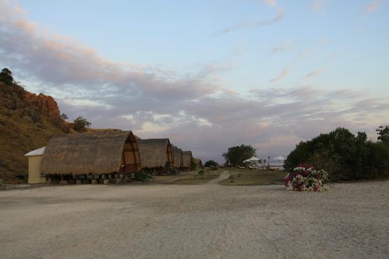 Komodo Resort & Diving Club: Vista de las habitaciones