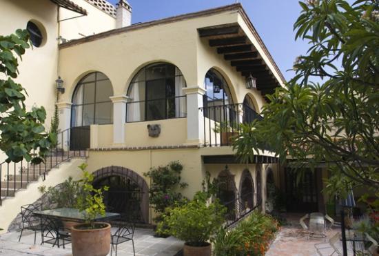 Casa de la Noche courtyard