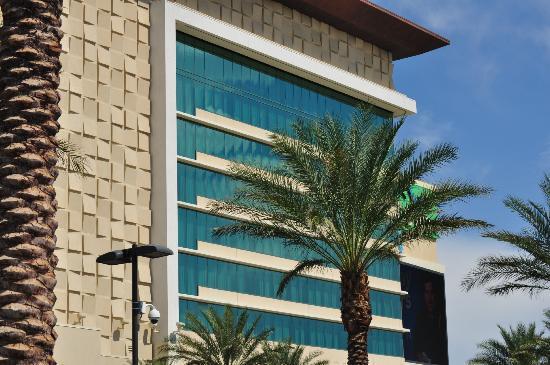 Aliante Casino + Hotel + Spa: Main front of the hotel