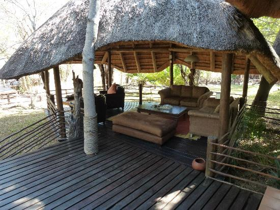 Toro Yaka Bush Lodge : lounge