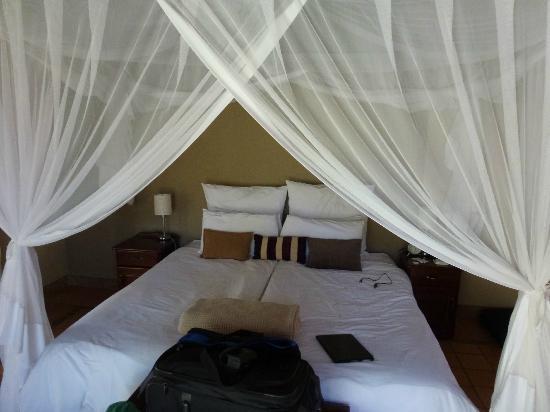 Toro Yaka Bush Lodge: Bedroom