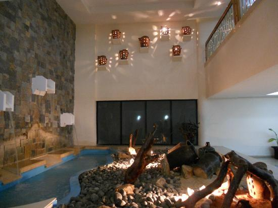 Laguna Mar: South Tower lobby