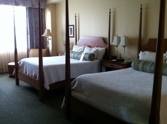 Harbourview Inn : Our comfy room-very spacious
