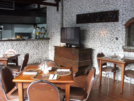 Balisani Padma: restaurant & international TV