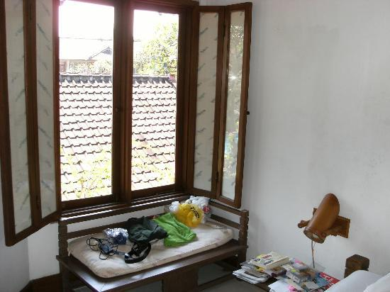 Balisani Padma: bedroom window
