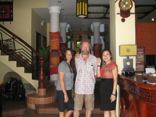 Thien Thanh Boutique Hotel: With our friend the owner, Binh