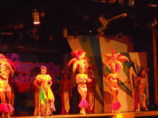 Laguna Mar: Dancers