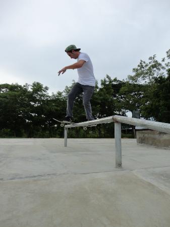 Surf Ranch Skateboard Park: front board rail