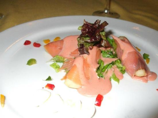 Crown Paradise Golden Resort Puerto Vallarta: Pear wrapped in Salmon at the french restaurant, delicious